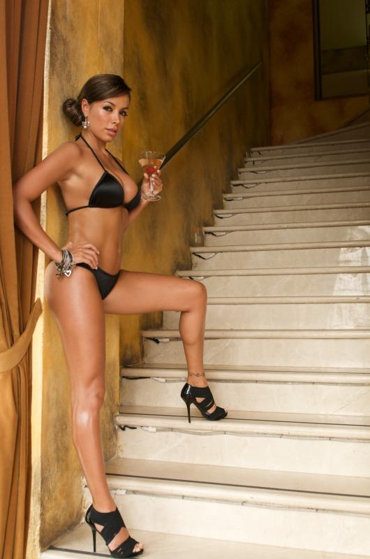 Black Scoop Colombian Bikini