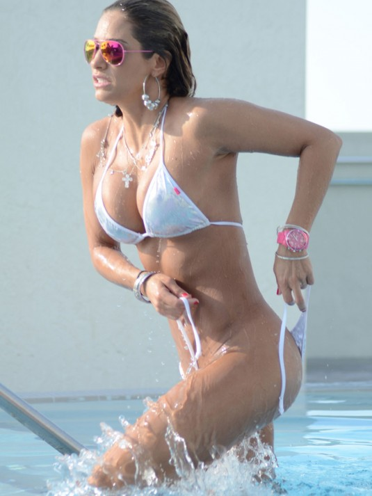 JENNIFER-NICOLE-LEE-in-Bikini-at-the-Pool-hot-white-bikini