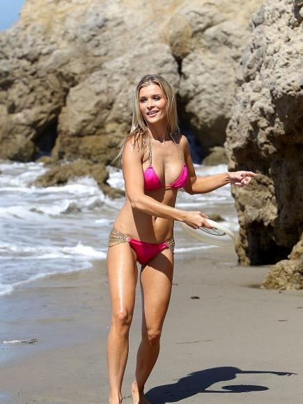 Joanna-Krupa-Bikini5