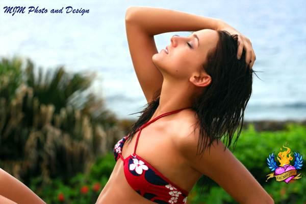 Bikinis For Women with Smaller Chests Bandeau Bikini Top