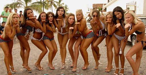 Bikinis-having-Fun