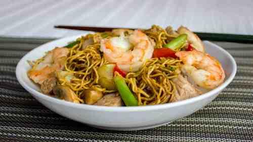 Diverting Pork Chow Mein Facebook Hires Shrimp Lo Mein Near Me Shrimp Lo Mein Spaghetti Squash Shrimp
