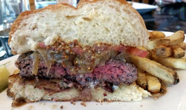 Deschutes Brewery Burger Month: The Lucwicki
