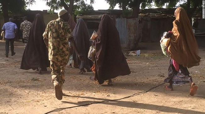 PHOTO: Chibok girls on their way to Maiduguri
