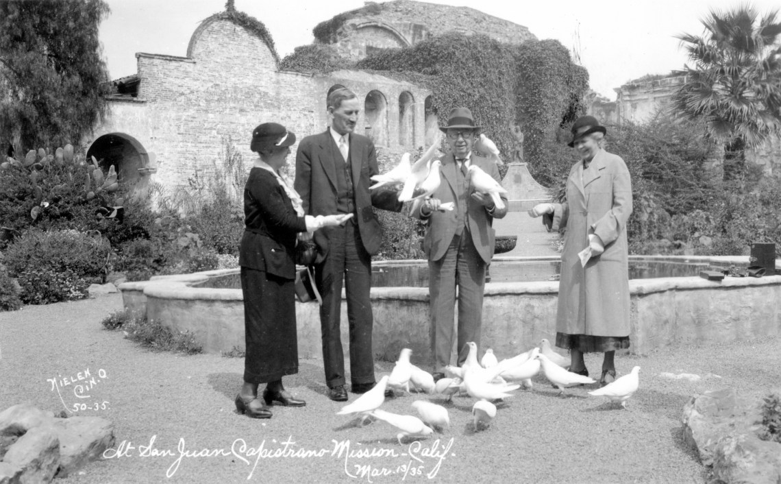 Guests enjoy Mission San Juan Capistrano on March 13, 1935. Photo: Courtesy of Orange County Archives.