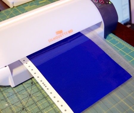 Make This How To Stencil Fabric Using Vinyl