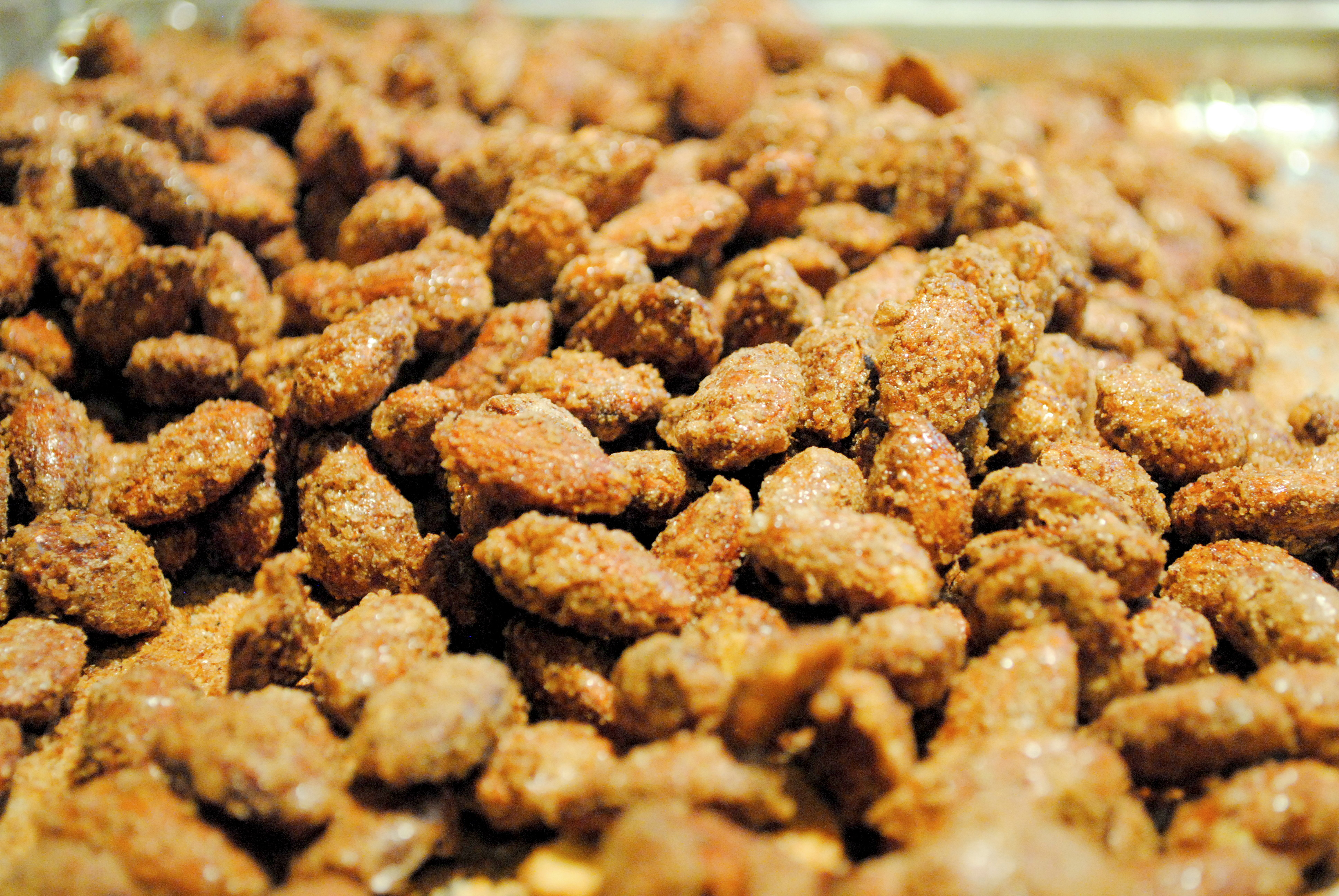 Pumpkin Spice Almonds by The Cocina Monologues