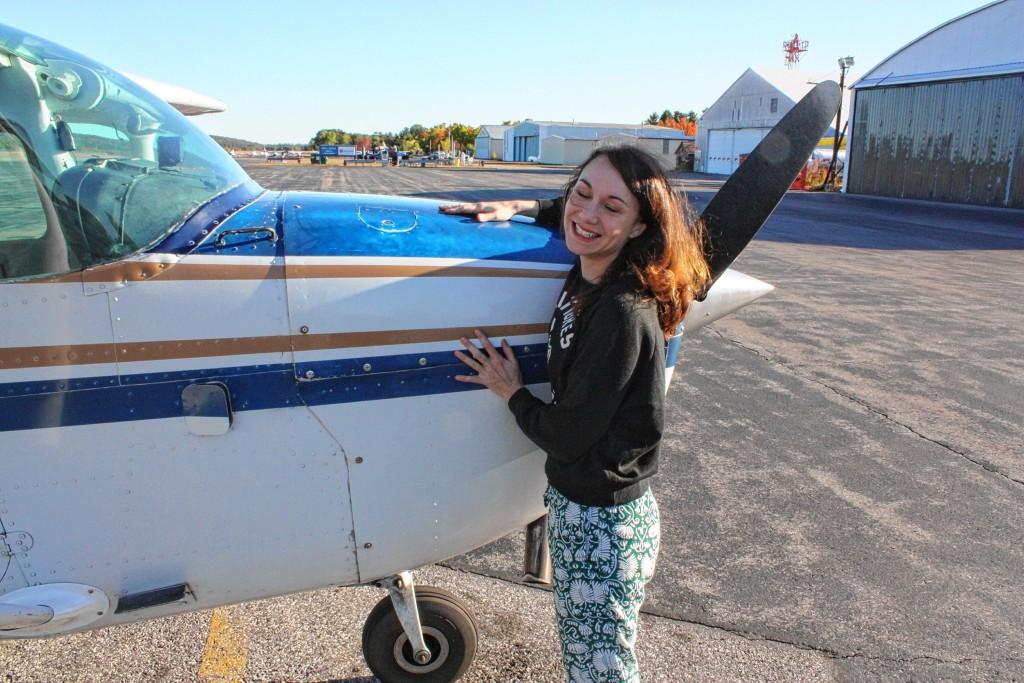 Resultado de imagem para female Pilot preflight walkaround