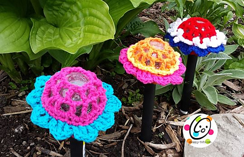 Solar fun flower Lamp cover by Snappy Tots