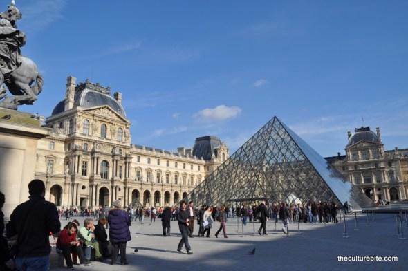 Paris Louvre Day