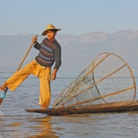 Leg-Rowing Fishermen – The Icons of Inle Lake, Myanmar