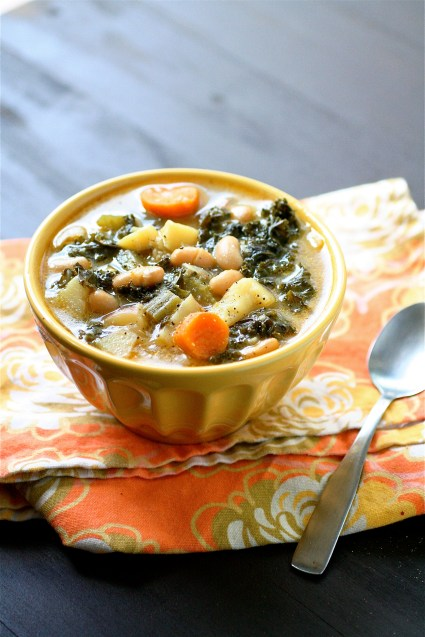 Kale Soup with carrots and beans