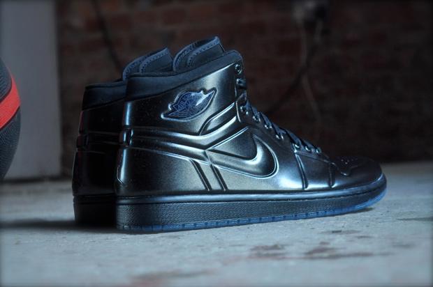 Air-Jordan-1-Anodized-Black-02
