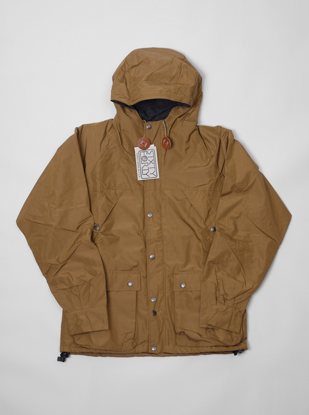 Mt-Rainier-Design-Slanted-Pocket-Parka-01