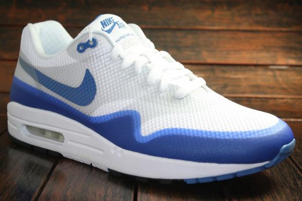 ab24879bc1da Nike