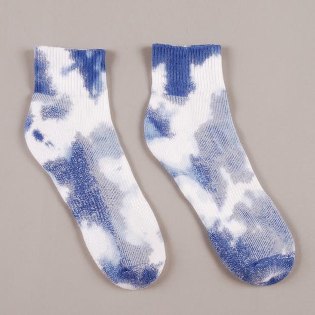 Perks-and-Mini-PAM-High-Tie-Dye-Socks-02