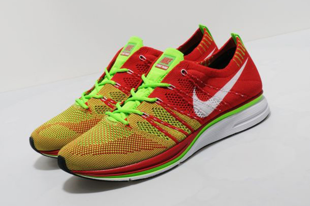 Nike-FlyKnit-Trainer-New-Colourways-2012-04