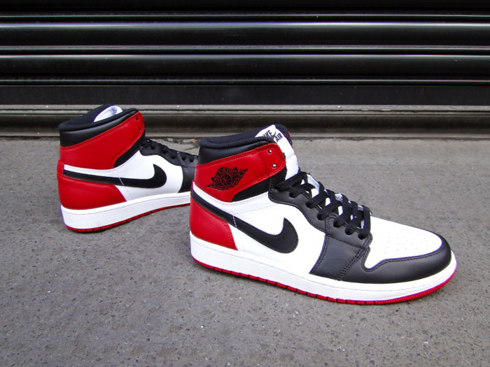 Air-Jordan-1-Hi-OG-Retro-Black-Toe-04