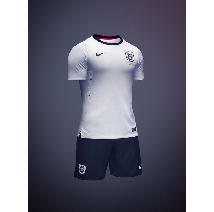 Nike announce first England football kit 02