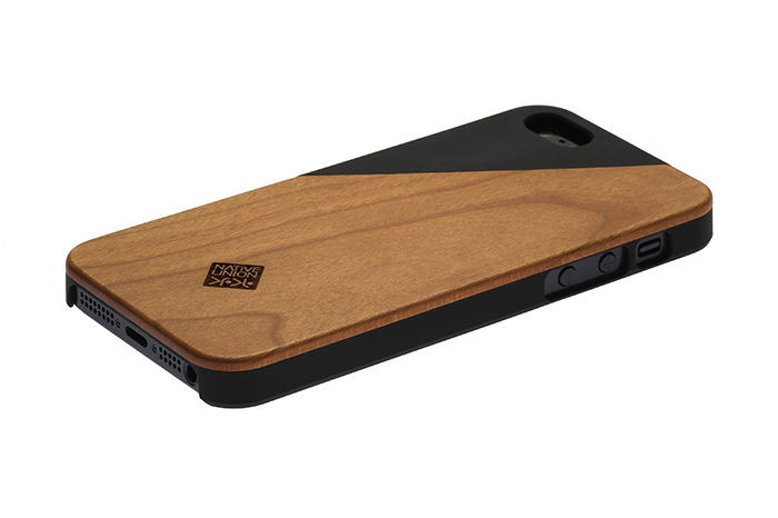 Clic wooden iphone case