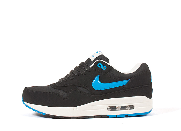 Nike-Air-Max-1-Premium-Patent-Swoosh-Pack-01