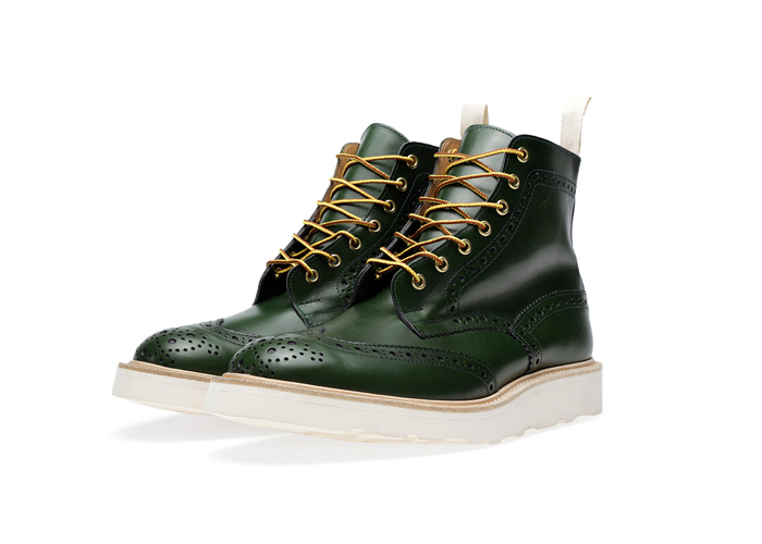 END-Trickers-Vibram-Sole-Stow-Boot– A-Guide-to-Construction-07