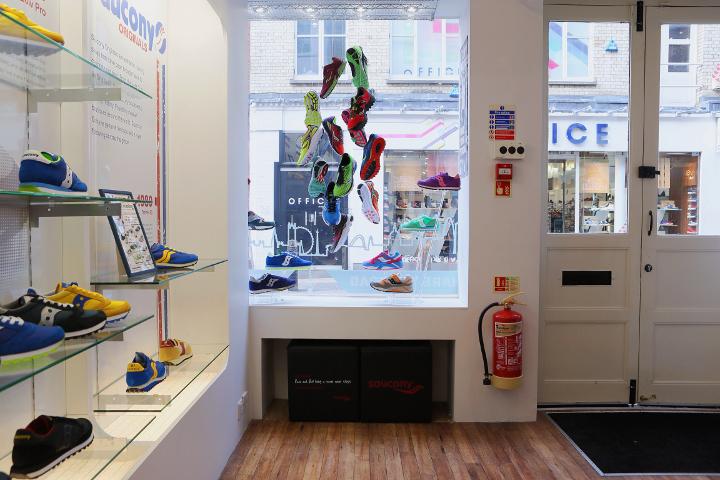 Inside-Saucony-Originals-Story-of-Running-Store-4