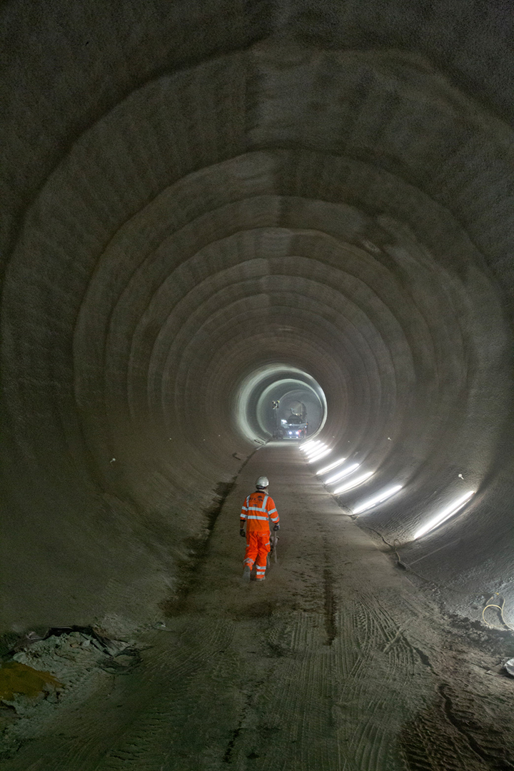 Take a look inside Londons new Crossrail tunnels 05