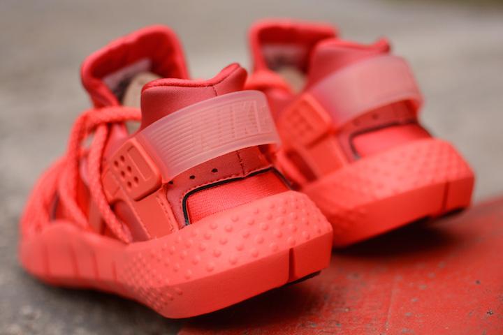 Nike-Air-Huarache-Hot-Lava-1