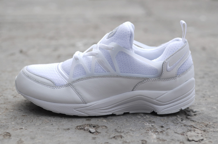Nike Air Huarache Light Triple White 01