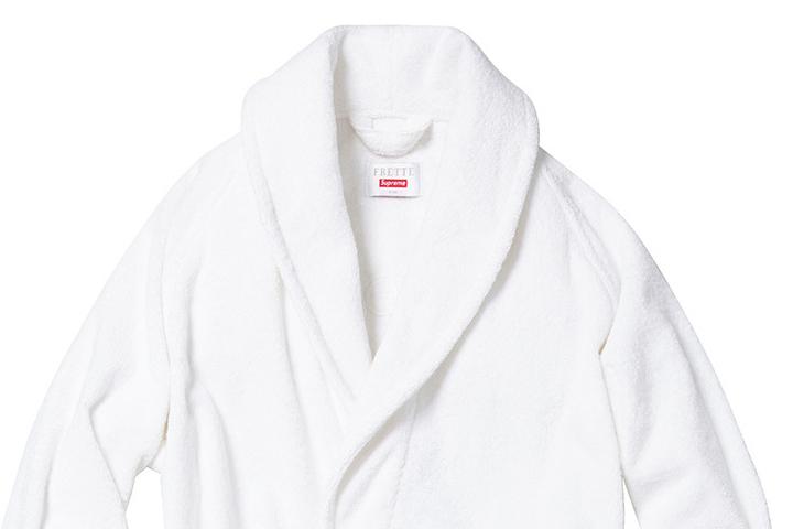 Supreme Frette bathrobe 01