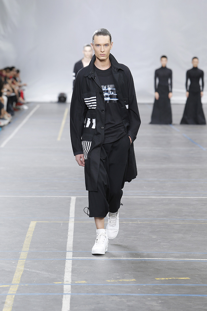 Y-3-SS16-Show-3-STRIPES-IN-MOTION-07