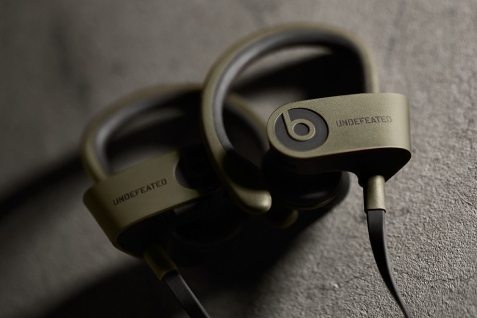 undefeated-by-beats-by-dre-powerbeats2-wireless-in-ear-headphones-00