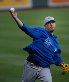 photo-causes-of-finger-numbness-while-pitching-josh-beckett
