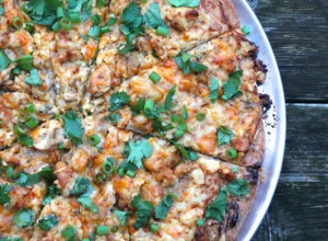 Buffalo Chicken Pizza | thedomesticblonde.com