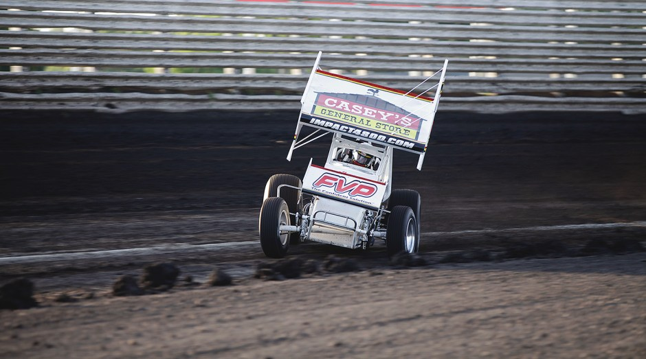 Brian Brown flies through turn 3 at Knoxville Raceway during Qualifications