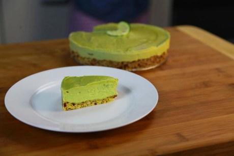 Raw vegan key lime pie