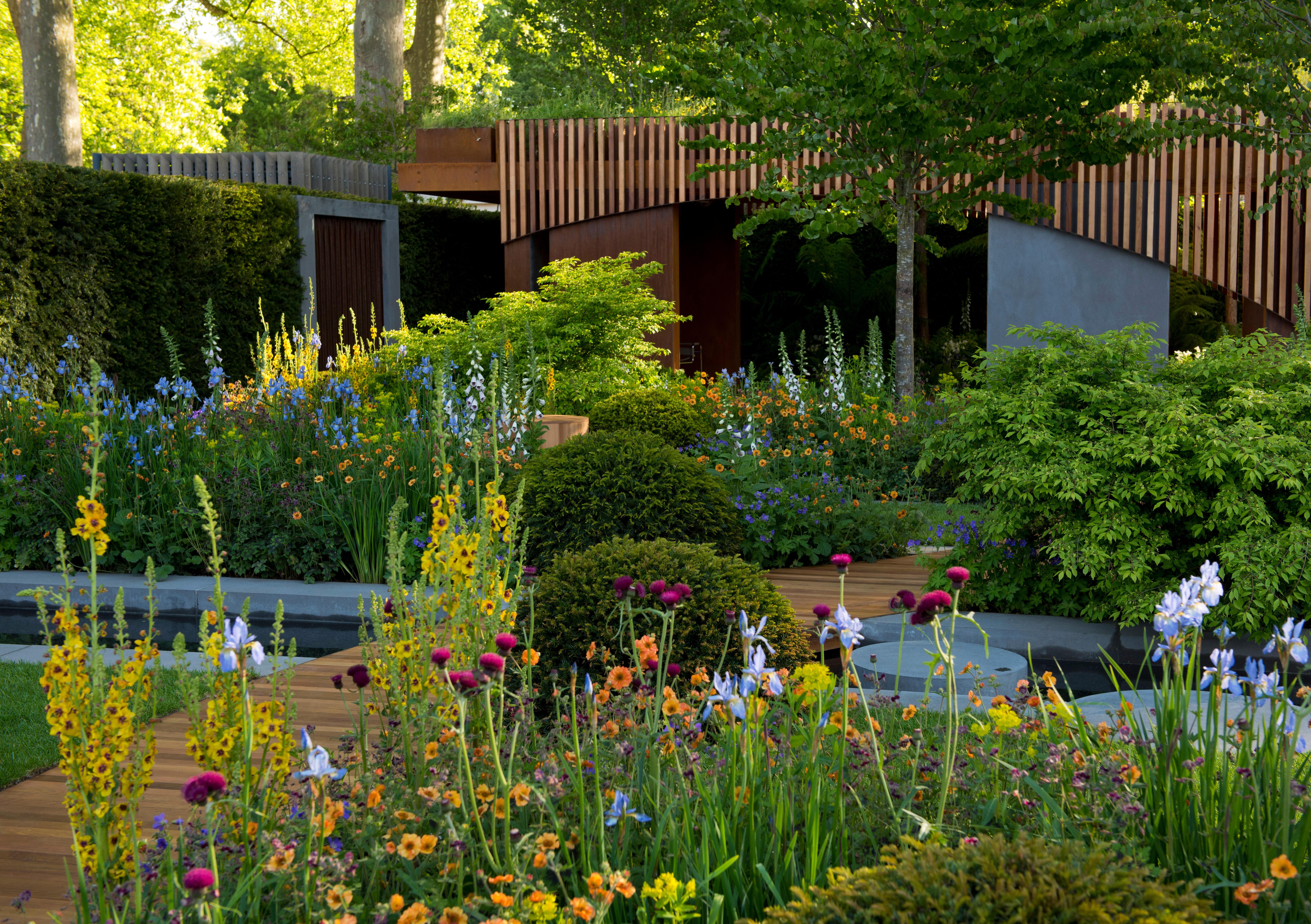 15 weird wonderful gardens from rhs chelsea the english garden - Chelsea garden show ...
