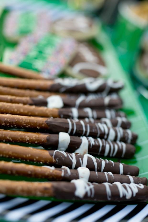 the everyday hostess chocolate dipped pretzel rods