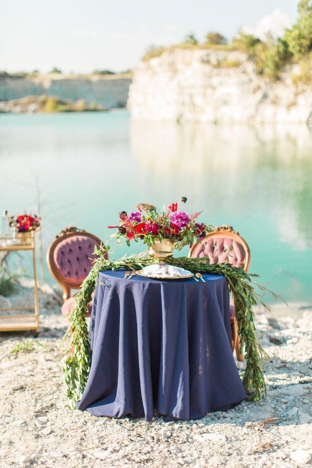 the-everyday-hostess-geode-styled-shoot-dallas-quarry