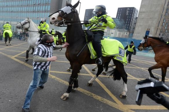 £££-Tyne-Wear-football-violence-in-Newcastle-City-centre-1833419.png