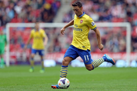 Mesut-Ozil-Arsenal-Debut