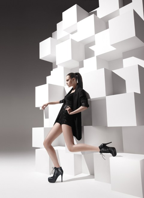 Stuart Weitzman Fall 2011 Advertising Campaign