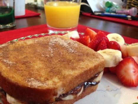 banana nutella stuffed french toast