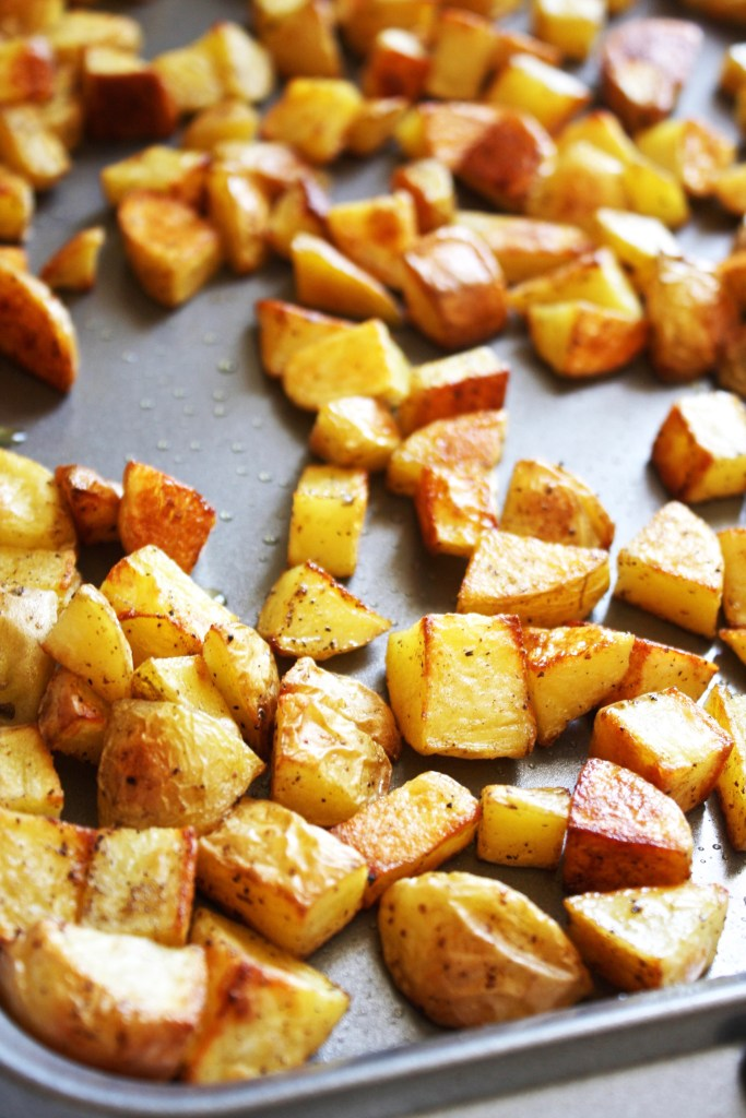 Crispy Potato Curry - A simple and delicious dish! Crispy potatoes and ...