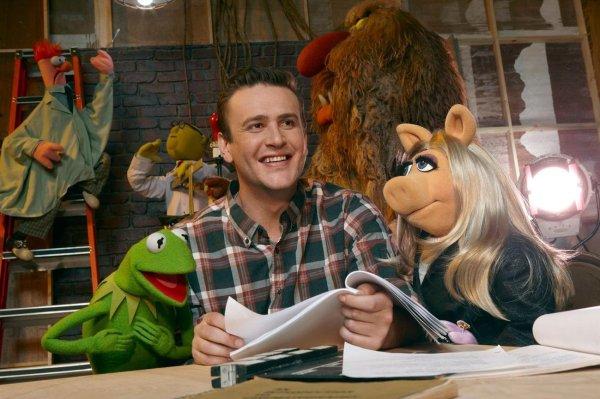 Jason Segel with Kermit and Miss Piggy