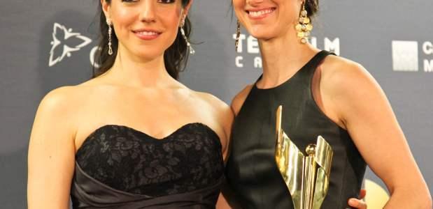 Anna Silk and Zoie Palmer