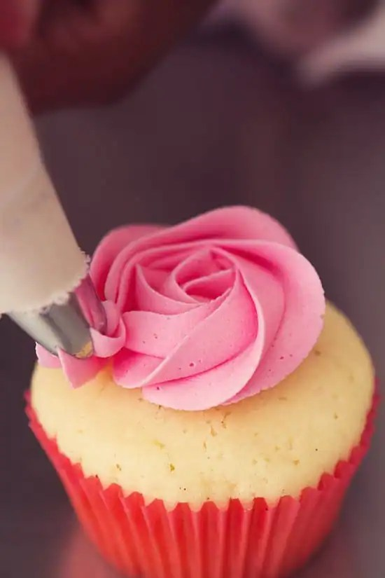 ... Buttercream Frosting recipe to perfectly top your favorite cake or