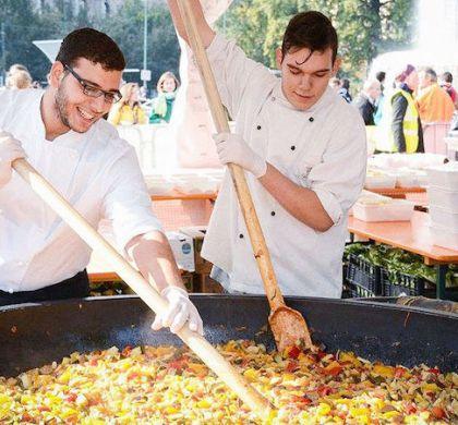Festival culinário oferece DE GRAÇA pratos produzidos com alimentos que seriam jogados fora