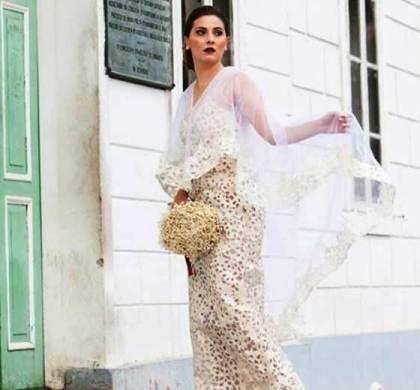 A brasileira que faz vestidos de noiva de luxo reaproveitando sacos de cimento
